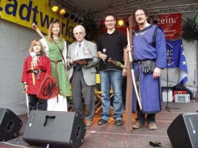 Dr. Klaus-Chr. Baumgarten, Petra-Maria, Diethelm und Noah Schark berichteten auf über Burg und Stadt von Oldesloe im Mittelalter
