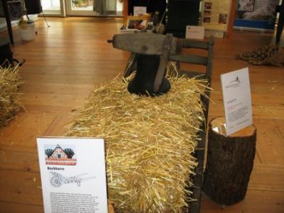 Altfresenburger Glocke - sie läutete zum Mittag und am Abend und gab dem Arbeitstag Struktur - etwa 1850